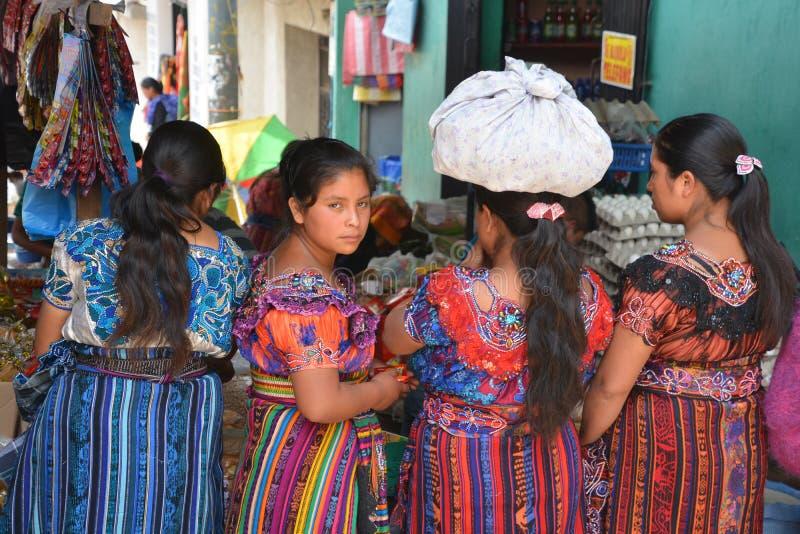 Портрет женщин покрашенных платья майяских стоковая фотография