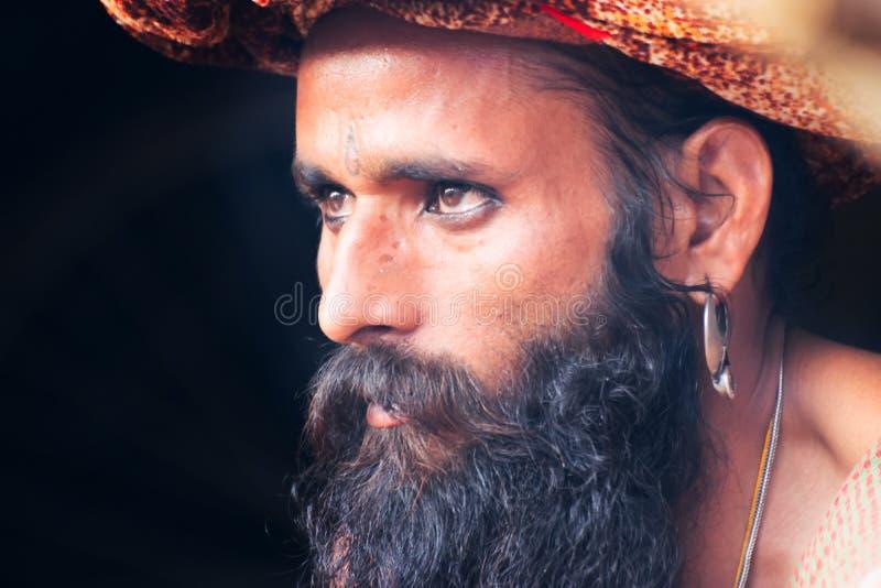 Портрет индийского sadhu стоковые фотографии rf
