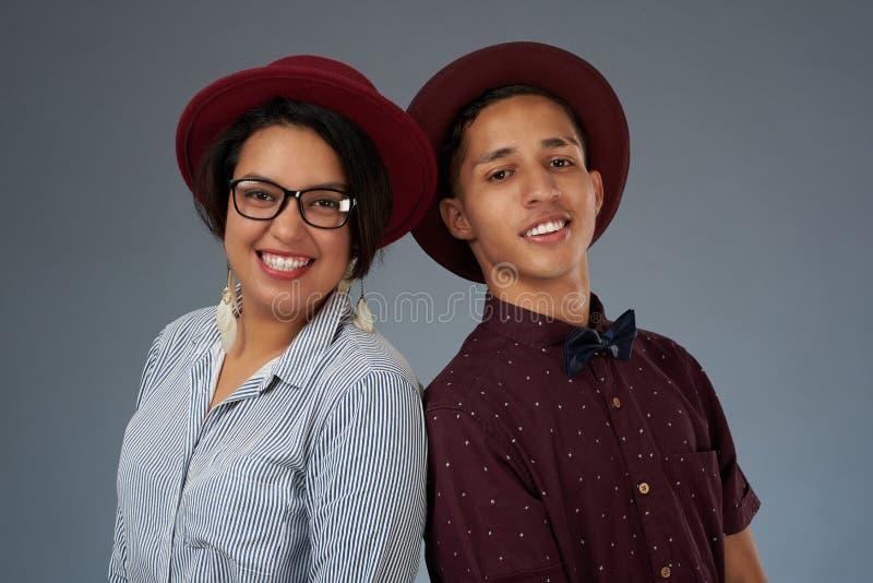 Портрет испанских молодых пар стоковые фотографии rf