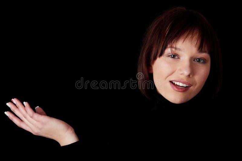 портрет кавказца близкий счастливый вверх по детенышам женщины стоковое изображение