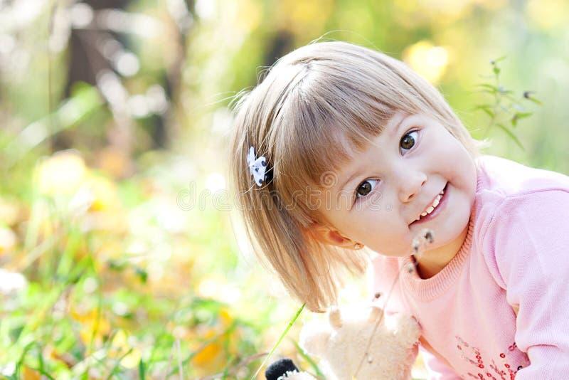 Портрет красивейшей маленькой девочки стоковое изображение