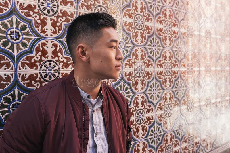 Портрет красивого китайского молодого человека стоковая фотография rf
