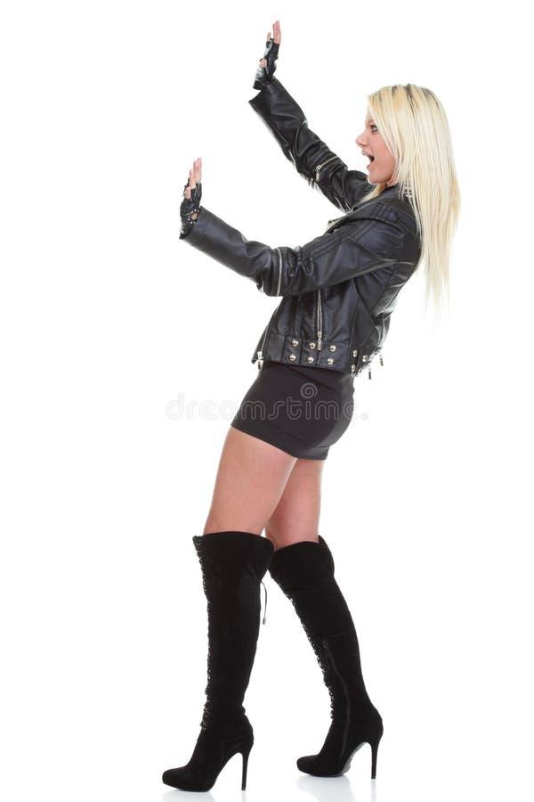 Download Портрет красивого молодого женского изолированного утеса Стоковое Изображение - изображение насчитывающей музыкально, волосы: 33734469