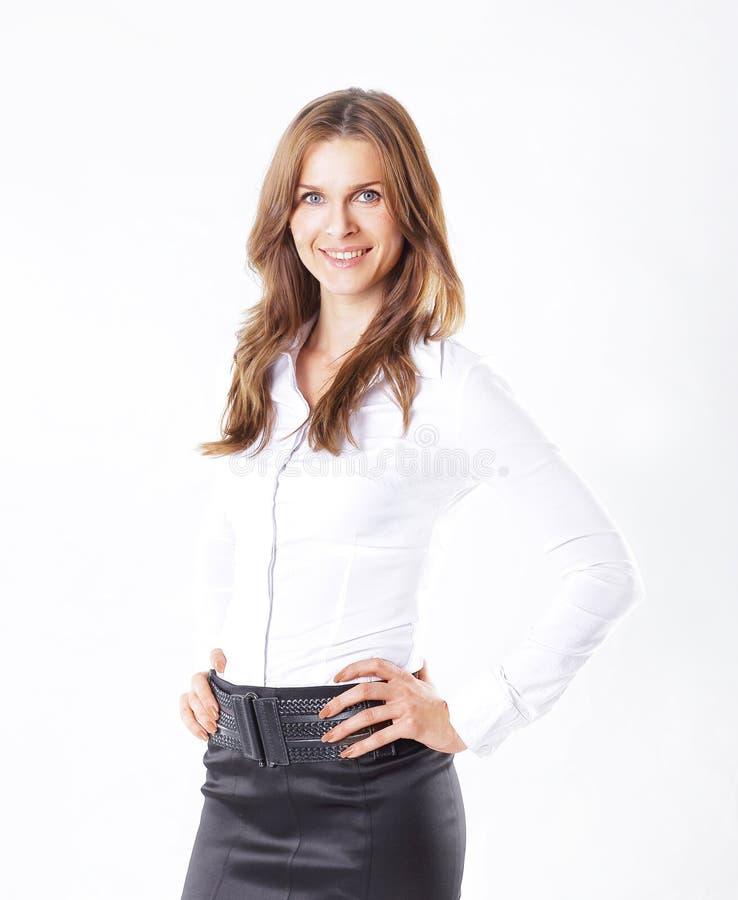 Портрет красивой бизнес-леди изолированный на белизне стоковое фото
