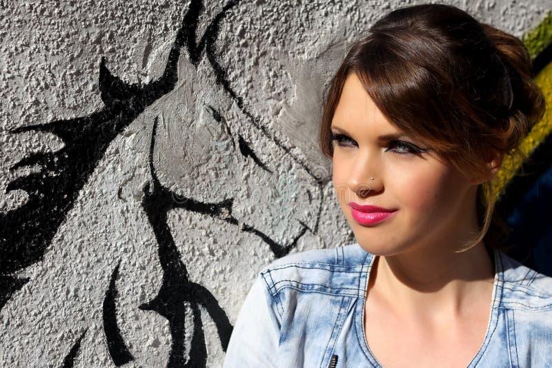 Портрет красивой девушки стоковые фото
