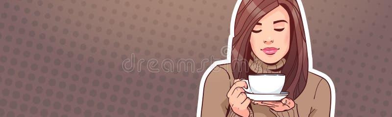 Портрет красивой женщины держа чашку с горячим напитком над знаменем винтажной предпосылки искусства шипучки горизонтальным с экз иллюстрация штока