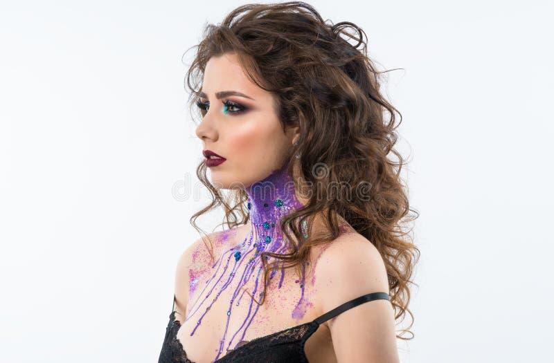 Портрет красивой модели женщины с профессиональным составом стоковое фото rf
