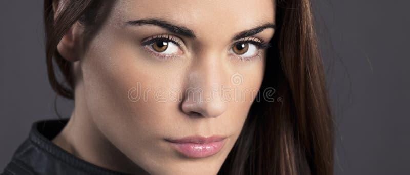 Портрет красивой модели женщины стоковое изображение rf