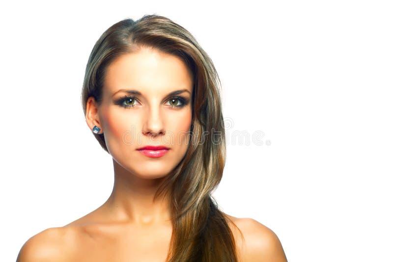 Download Портрет красивой молодой женщины Стоковое Изображение - изображение насчитывающей ясность, косметика: 33730919