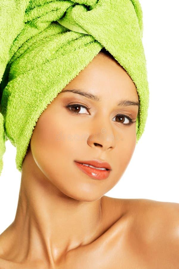 Портрет красивой нагой женщины с тюрбаном. стоковые изображения rf