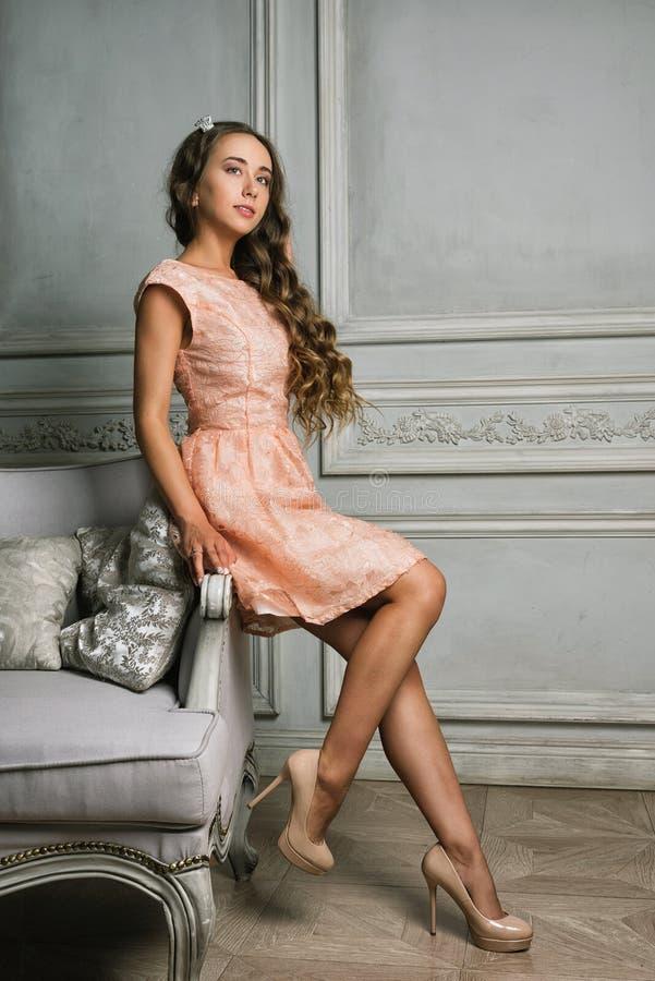 Портрет красивой романтичной дамы стоковые фото