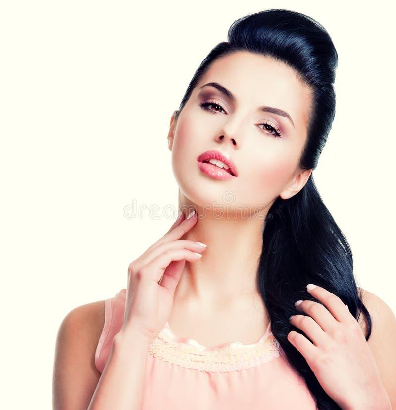 Портрет красивой чувственной женщины стоковое фото