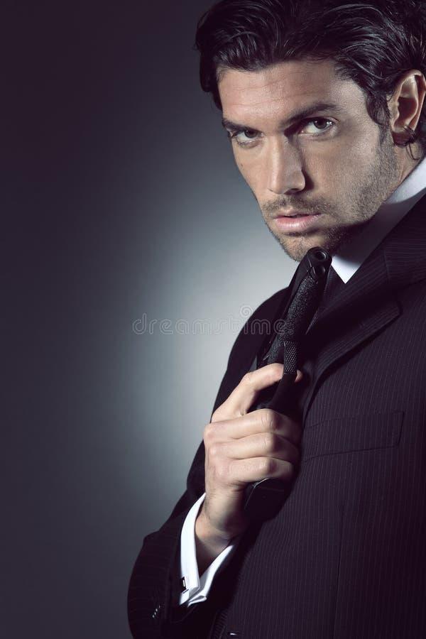 Портрет красивой шпионки стоковые фото