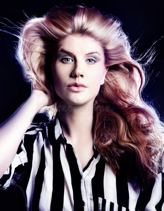 Download Портрет красоты чувственной красоты Стоковое Фото - изображение насчитывающей способ, closeup: 40578396