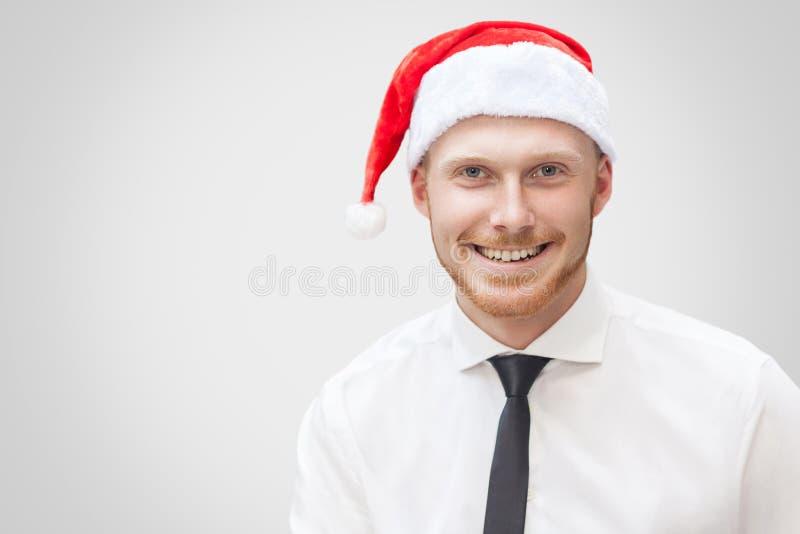 Портрет крупного плана красивого бизнесмена в белой рубашке, черном t стоковая фотография rf