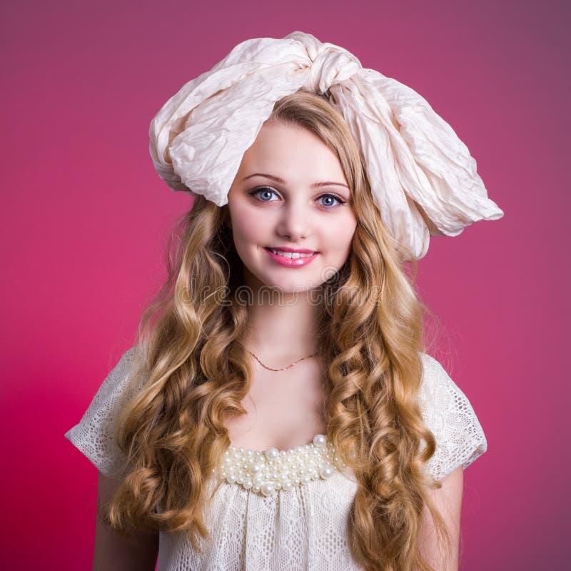 Портрет куклы девушки стоковое изображение