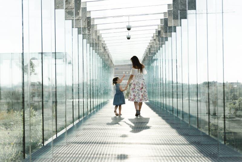 Портрет любя концепции семьи Всегда счастливый совместно стоковое изображение
