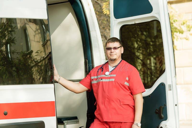 Портрет машины скорой помощи доктора стоковое изображение