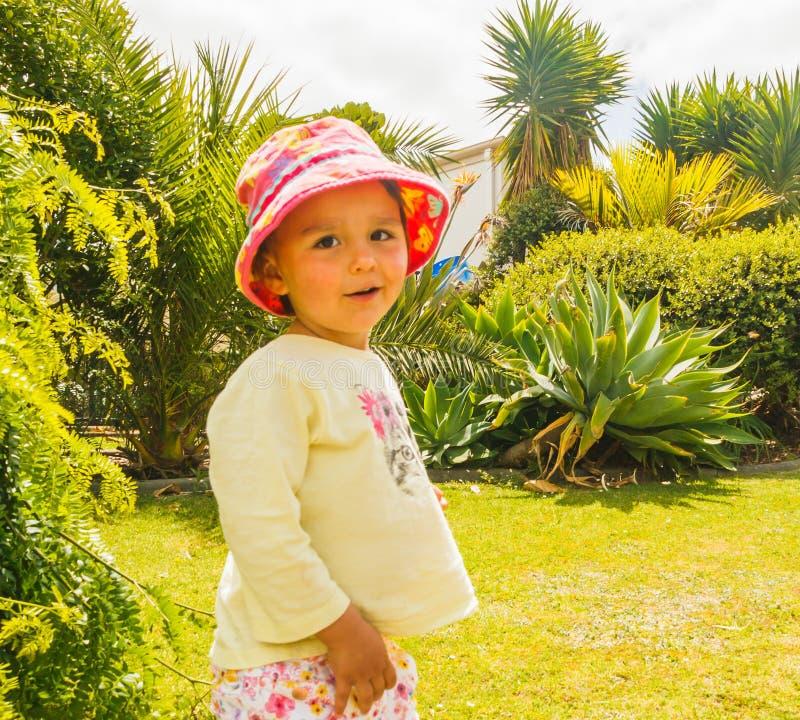 Портрет маленькие шаловливые девушки стоковая фотография rf