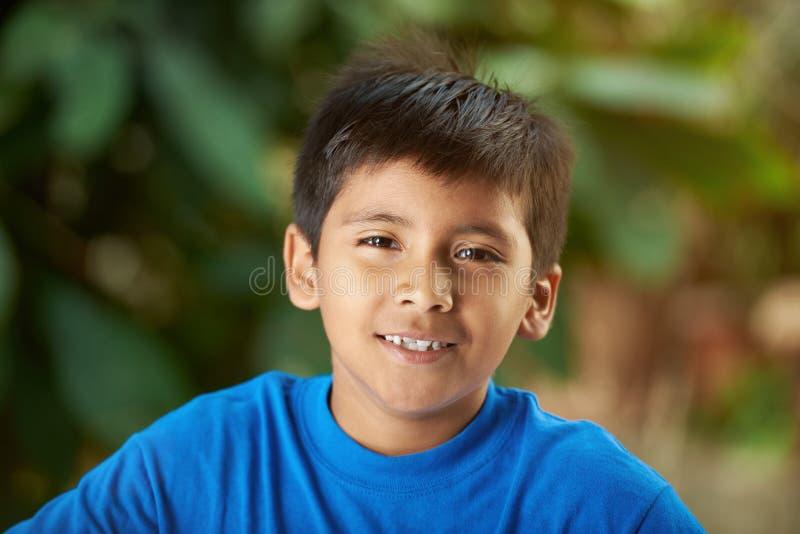 Портрет малого испанского мальчика стоковое фото rf
