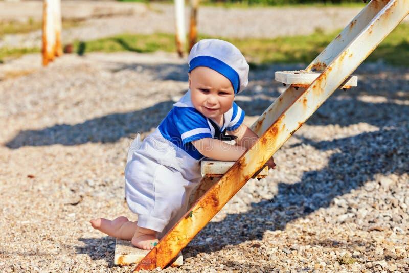 портрет мальчика счастливый стоковая фотография