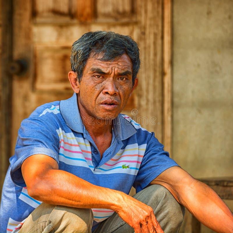 Портрет местного жителя - взрослого мужчины стоковое фото rf