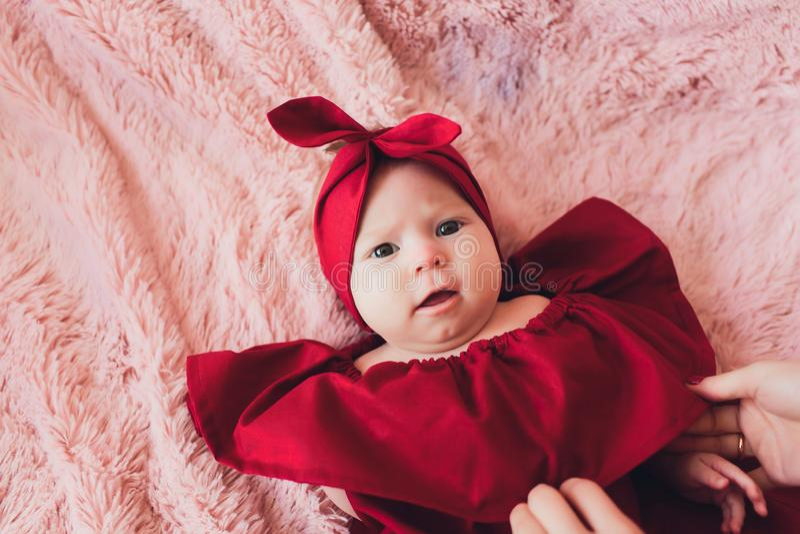 Портрет милого ребенка 6 месяцев стоковые фотографии rf
