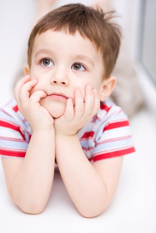 Портрет милого мальчика стоковое фото