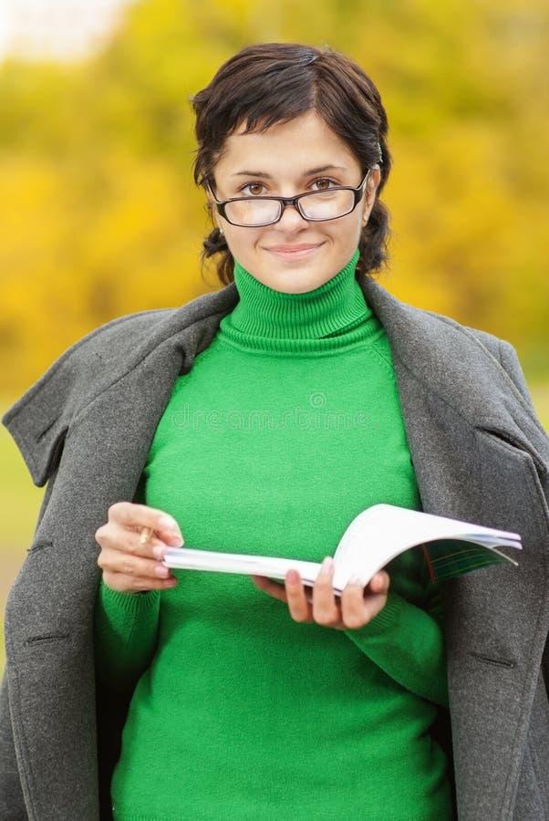 Портрет молодого учителя стоковая фотография