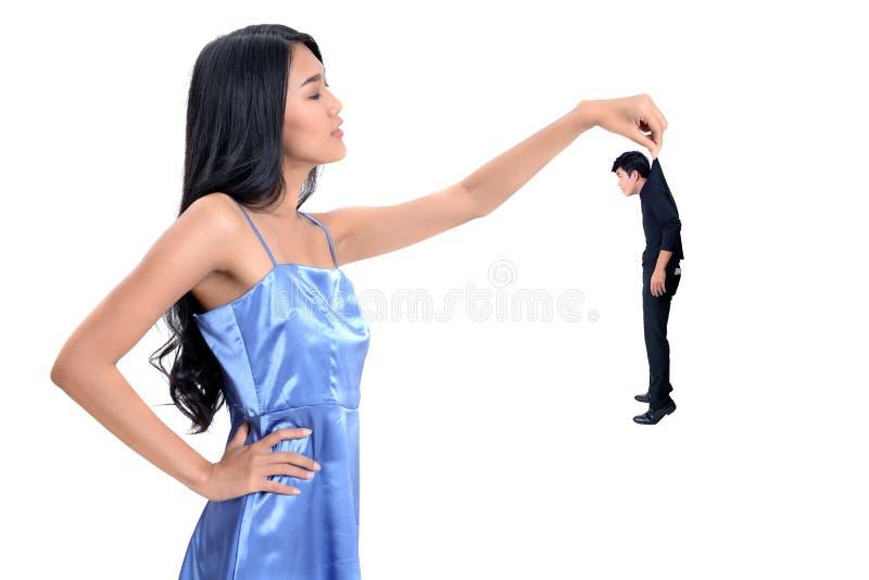 Портрет молодого человека и девушки на белой предпосылке стоковые изображения
