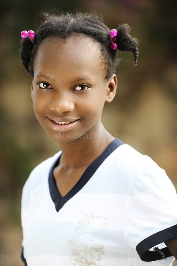 Портрет молодое гаитянское предназначенного для подростков стоковое изображение