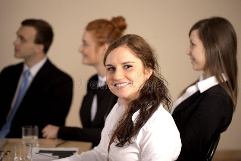 Портрет молодой бизнес-леди стоковое изображение rf