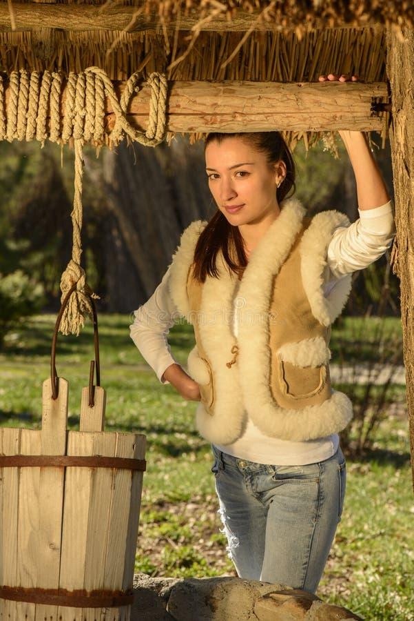 Download Портрет молодой женщины стоковое фото. изображение насчитывающей модель - 40579648