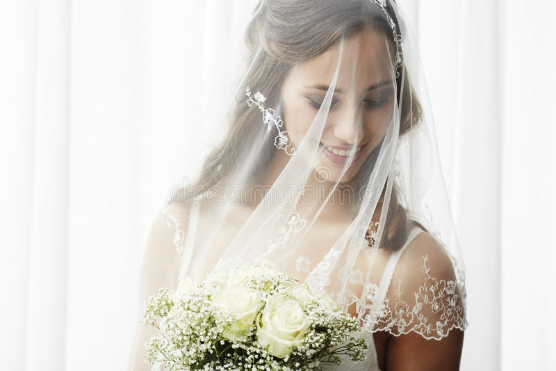 Портрет молодой невесты стоковые фотографии rf