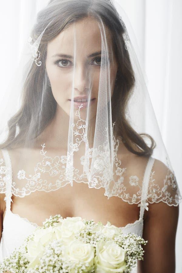 Портрет молодой невесты стоковое изображение rf