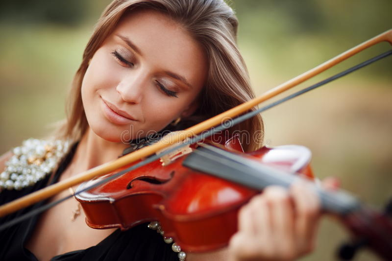 Портрет музыканта стоковые фото