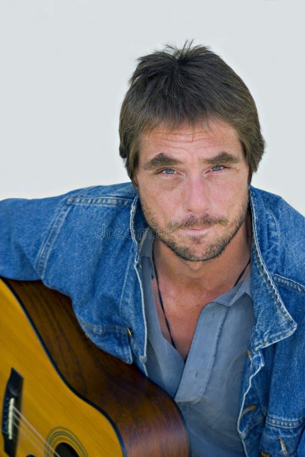 портрет музыканта стоковое фото rf
