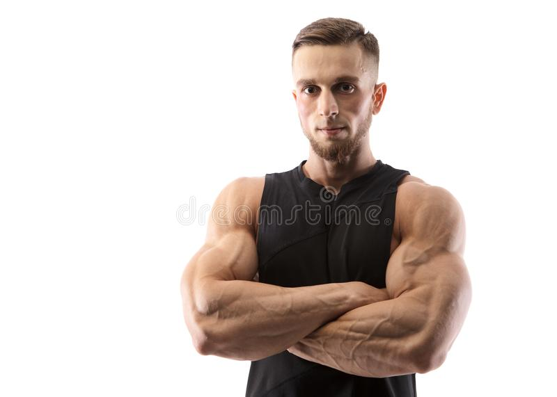 Портрет мышечной мужской модели на белой предпосылке стоковые фото