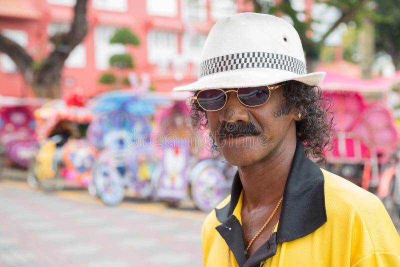 Портрет необычно цветистого человека Malay стоковые изображения rf
