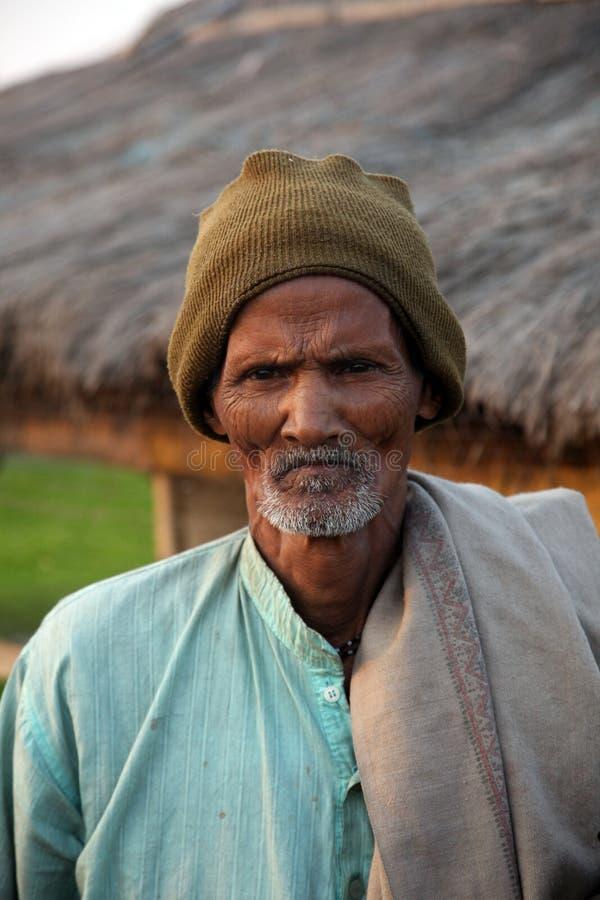 Портрет неопознанного случайного рабочого в Kumrokhali, Индии стоковая фотография