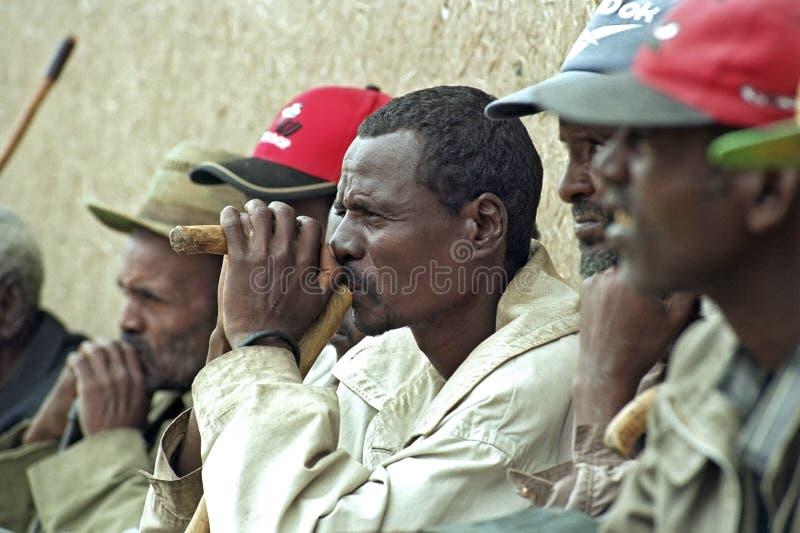 Портрет пожилого эфиопского человека во время встречи стоковые фотографии rf