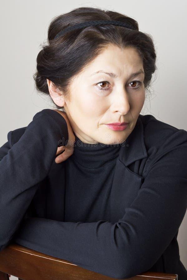 Портрет привлекательного возникновения азиата женщины стоковые изображения rf