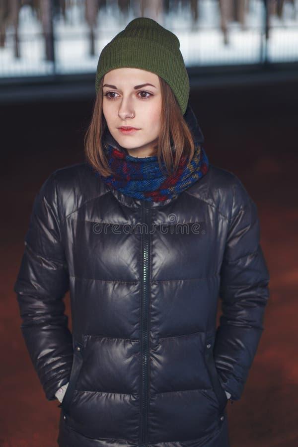 Портрет привлекательной девушки стоковое фото rf