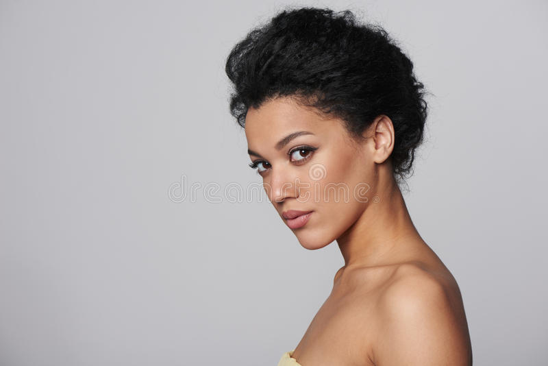 Портрет профиля крупного плана красоты красивой женщины стоковое фото rf