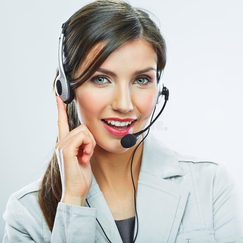 Портрет работника обслуживания клиента женщины, усмехаться центра телефонного обслуживания стоковое фото
