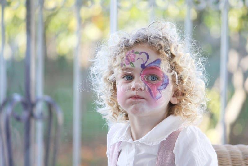 портрет ребенка выразительный стоковое изображение rf