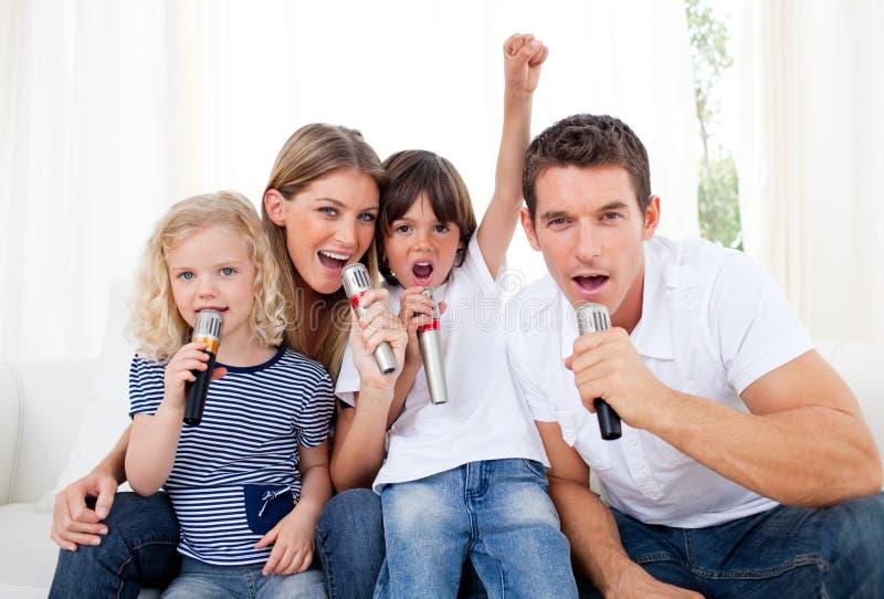 портрет семьи живейший пея стоковое фото rf