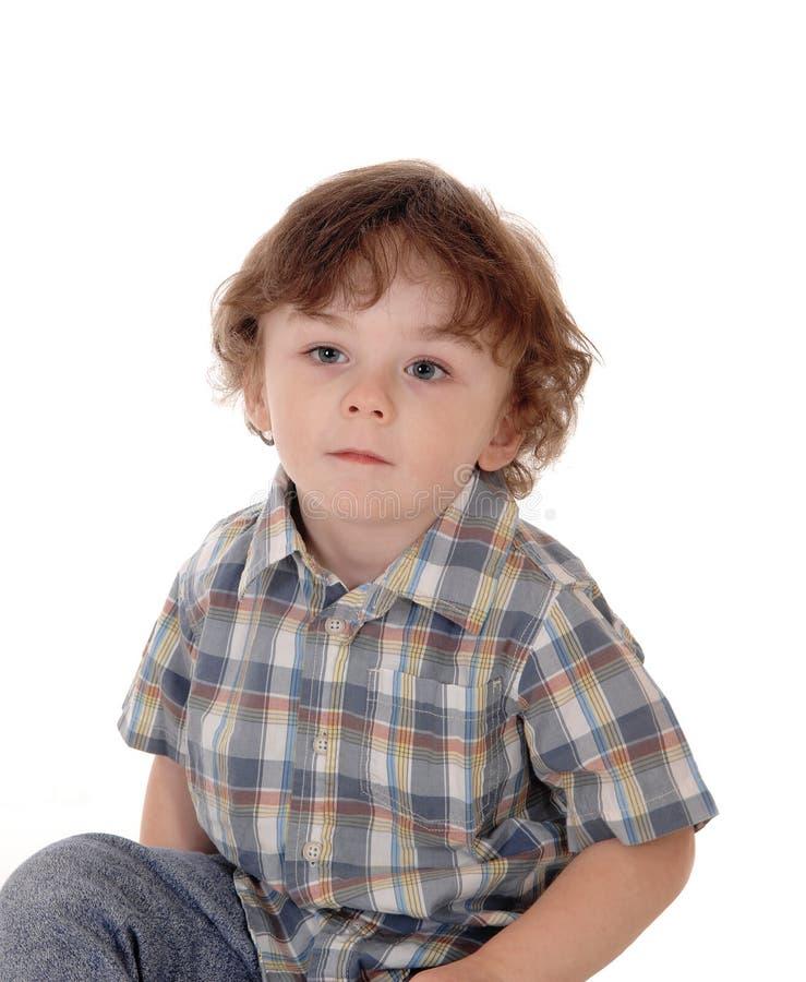 Портрет серьезного мальчика стоковые изображения
