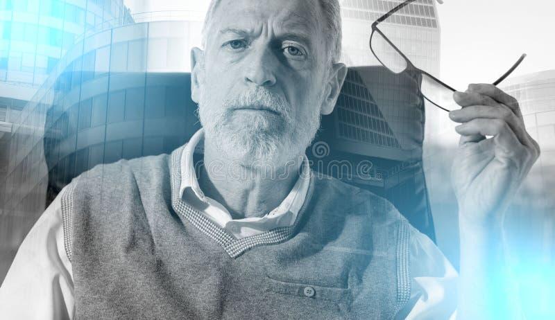 Портрет старшего бизнесмена; множественная выдержка стоковая фотография