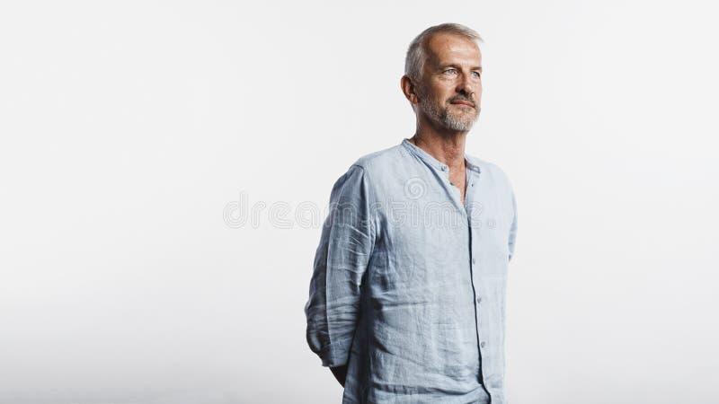 Портрет старшего человека стоковое изображение rf